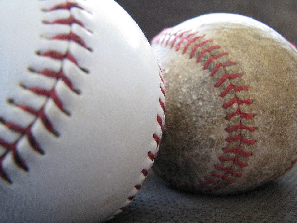 Baseballs represent difference between fresh and stale content