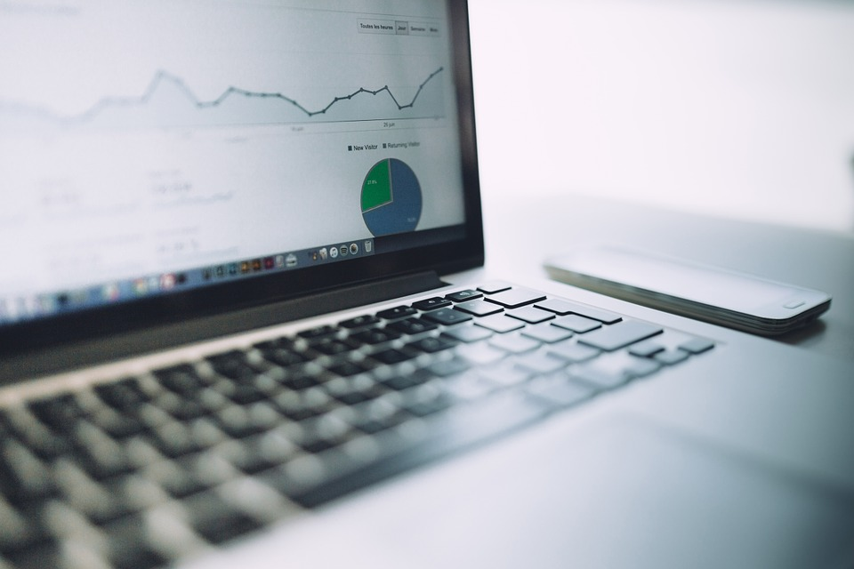 Marketer tracks analytics from his email marketing campaigns